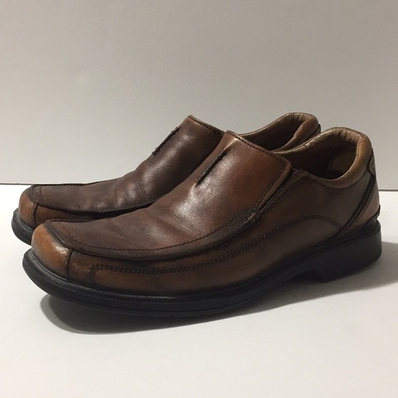 Men's leather slip on dress shoes by Clark's 11.5